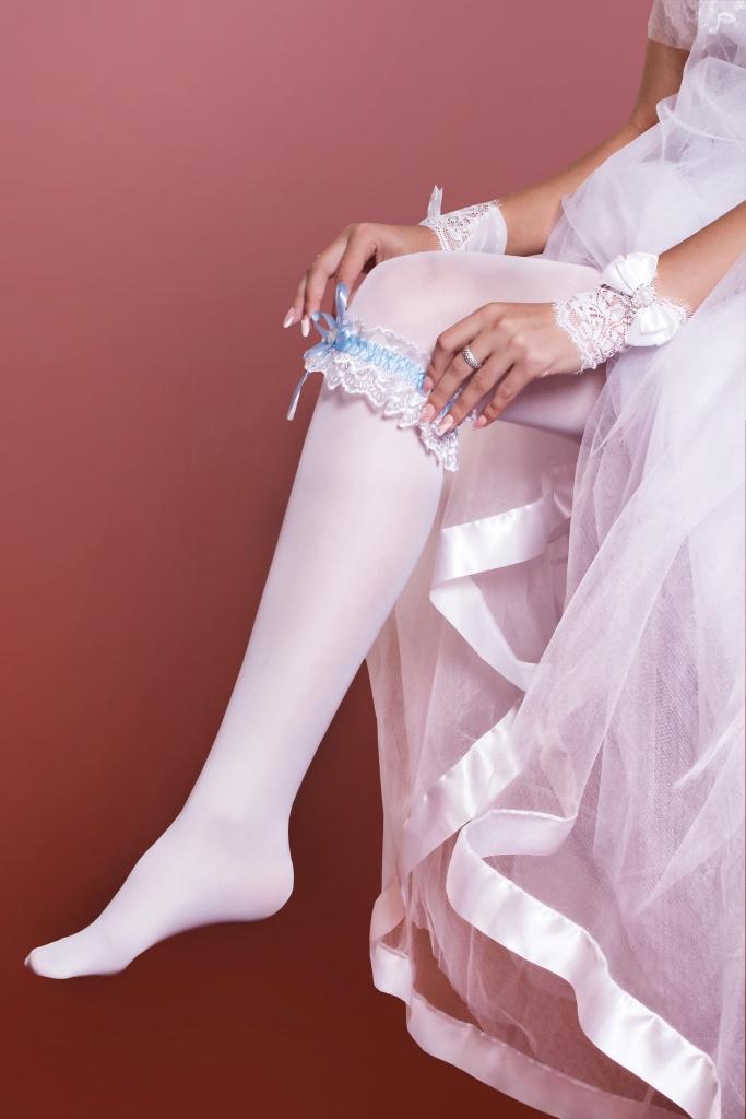 Невесты ножка на ножку, фото зрелых женщин в трусах и без трусов